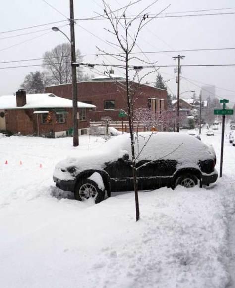 13-2008-stranded-car-44-1-12-21-8-mr