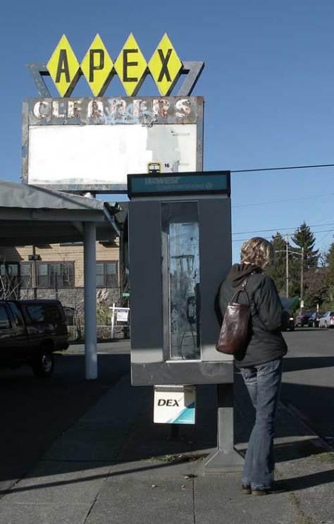 dex-apex-bus-stop-3-6-9-blo