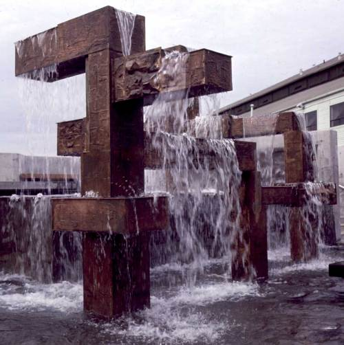Fountain at New Waterfront Park, Nov. 26, 1974