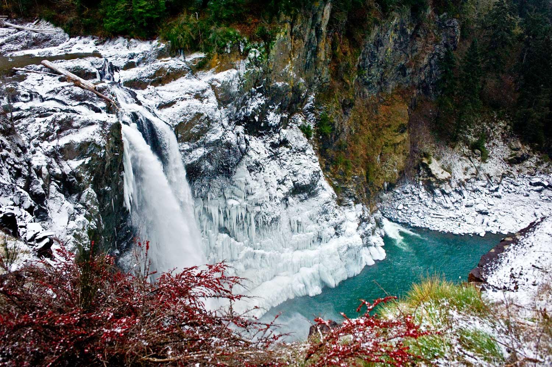Snoqualmie Falls Is A Beautiful Rip Roaring Waterfall