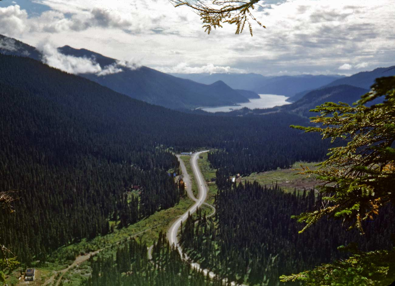 Our Daily Sykes 298 Looking South Over Snoqualmie Pass Dorpatsherrardlomont