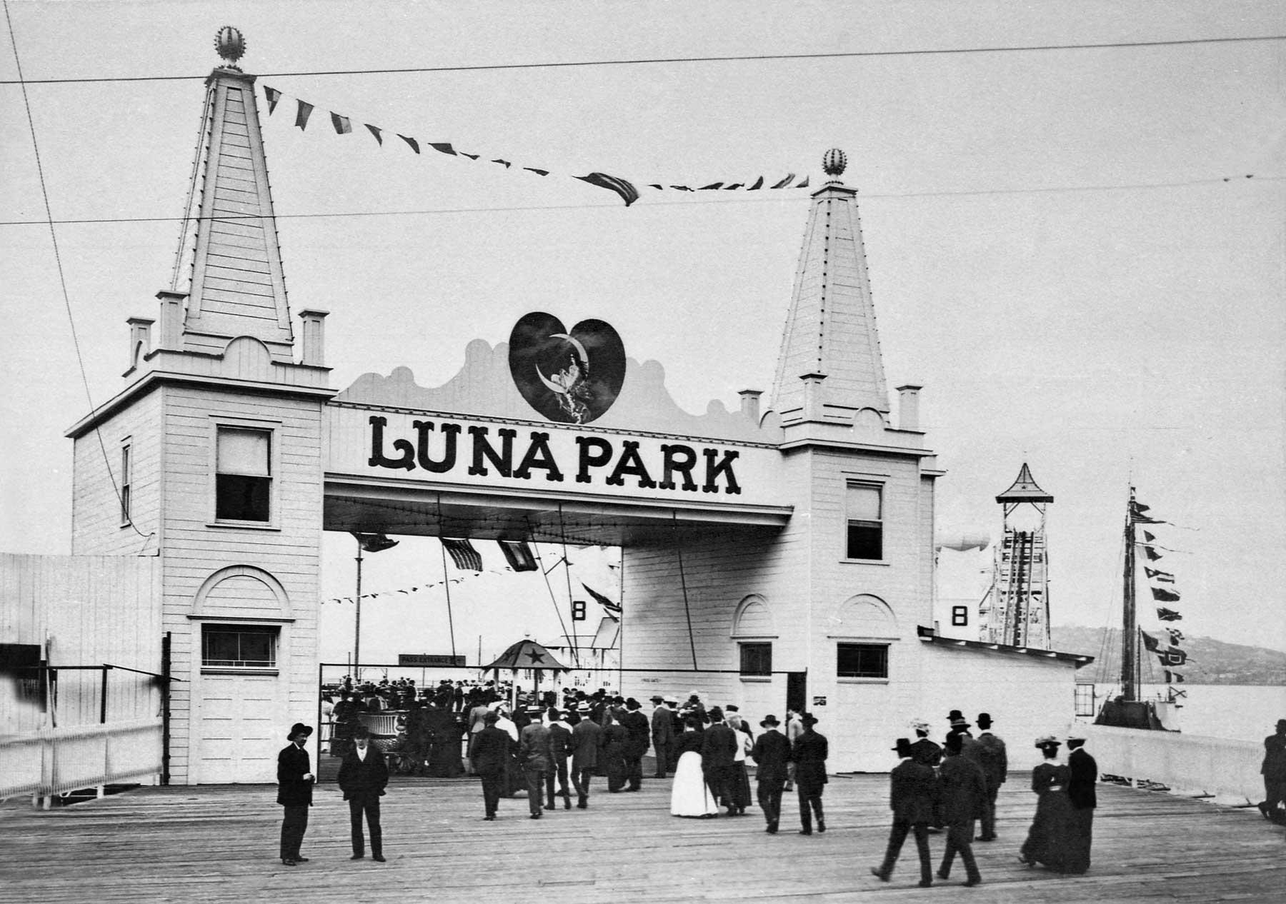 Seattle Now Amp Then Luna Park Entrance Dorpatsherrardlomont