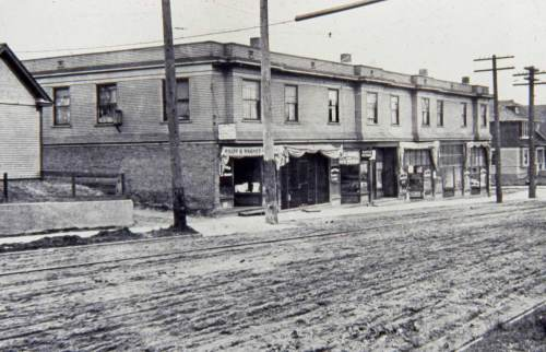 610 West Crockett looking east from 7th Ave West. ca. 1911