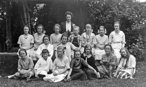 Public school teacher Lou R. Key with her Campfire group.  (Courtesy, Seattle School District Archive)