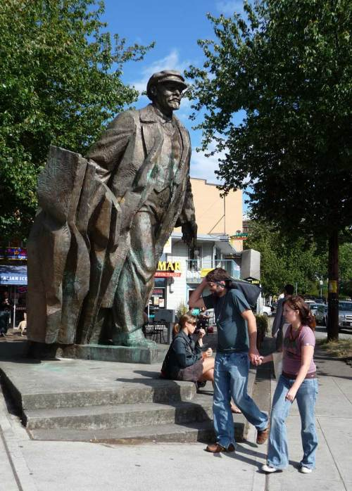 "Fremont's own ""tower"" of European birth: Lenin."