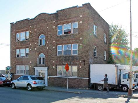 8. Evelyn Apts. Brooklyn-Brick-mid-block-ca-4523-now-WEB