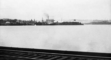 """Another from the Gas Company albums.  This looks east from the trolley bridge to the Wallingford peninsula with its """"fresh"""" Gasworks still under construction in 1907."""