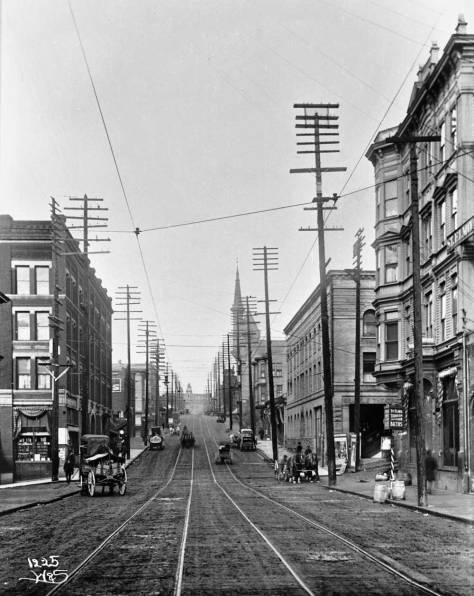 An early 20th Century look up Third with the Webster and Stevens Studio photographer's back toward James Street.  Note the St.Elmo Hotel at the southeast corner of Third and Cherry, on the right.  It served the fire fighters and citizens during the city's Great Fire of June 6, 1889.   You can find it as well in the 1928 photo above it.  (Courtesy, MOHAI)