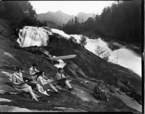 Art Sketching at Eagle Falls, 1927 (Courtesy, Museum of History and Industry)