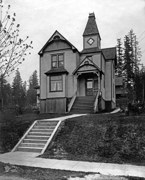THEN: The first house for Delta Gamma at N.E. 4730 University Way. (Courtesy, Museum of History and Industry)